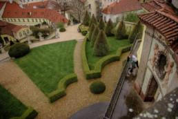 Фотосессия в Праге для влюбленных Семейная фотосессия в Праге Фотосессия в Праге для двоих Фотосессия в Праге для родителей Фотосессия в Вртбовском саду в апреле