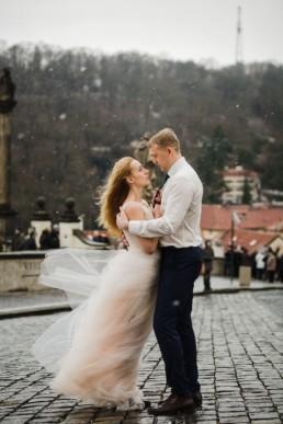 Фотосессия в Праге на годовщину свадьбы. Заказать фотографа.