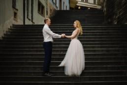 Фотосессия в Праге в свадебных нарядах около Пражского града.
