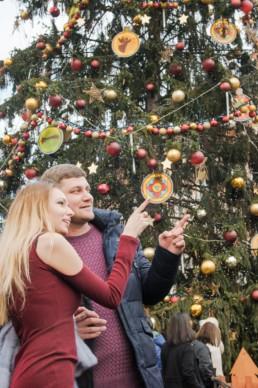 Вот как украшают Прагу к рождеству. Рождественская главная елка Праги. Новый год в Праге. Закажите фотографа во время своего путешествия в Чехию!