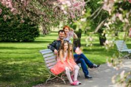 Фотопрогулка по Праге № 2. Семейный портрет в пражском саду