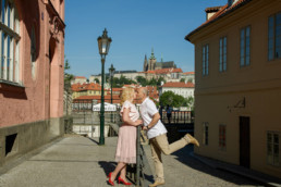 Фотопрогулка по Праге № 3. Фотосессия на фоне Пражского града