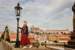 Карлов мост с видом на Пражский град.